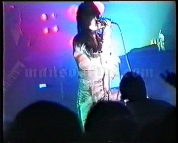 1996-12-12 London, UK - The Forum Screenshot 1