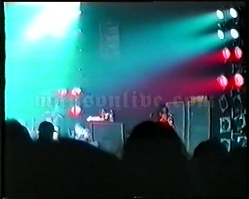 1996-12-12 London, UK - The Forum Screenshot 2