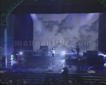 2001-01-08 Los Angeles, CA - Shrine Auditorium (American Music Awards) Screenshot 1
