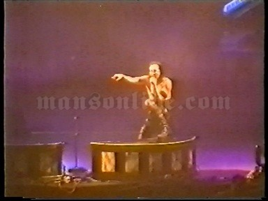 2001-02-03 Milano, Italy - Fila Forum Screenshot 10