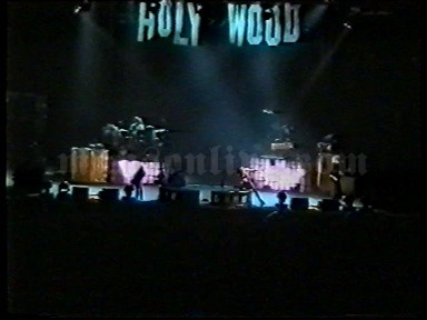 2001-02-03 Milano, Italy - Fila Forum Screenshot 6