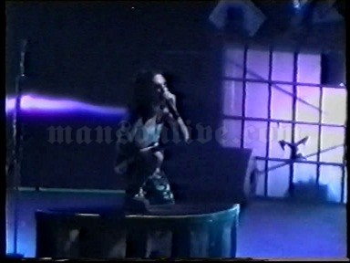 2001-02-03 Milano, Italy - Fila Forum Screenshot 8