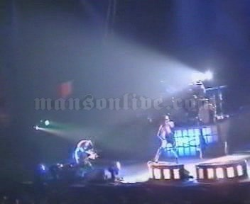 2001-02-03 Milano, Italy - Fila Forum Screenshot 2