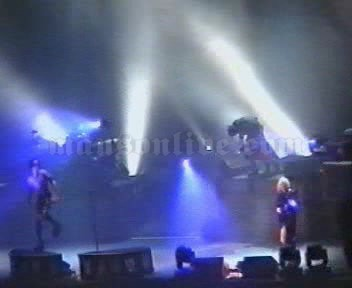 2001-02-03 Milano, Italy - Fila Forum Screenshot 4