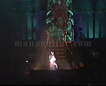 1997-05-02 Hamilton, Canada - Copps Coliseum Screenshot 2