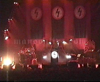 1997-05-02 Hamilton, Canada - Copps Coliseum Screenshot 4