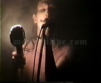 1997-01-22 San Francisco, CA - The Warfield Screenshot 4